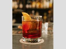 Love this simple Negroni from Stockholm's Linje Tio! #