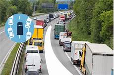 30 km zu schnell autobahn rettungsgasse auf der autobahn auto news