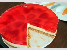 How to DIY Yummy Strawberry Jelly Hearts Cheesecake