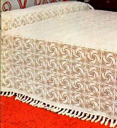 copriletti all uncinetto lavori con l uncinetto coperta con girandole schemi