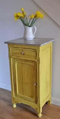 couleur de meuble en bois comment repeindre un meuble une nouvelle apparence