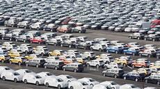 ber vw parkplatz ber vw nutzt flughafen als parkplatz f 252 r vorproduzierte autos de