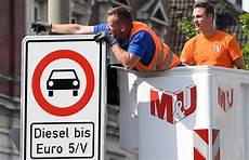 Koalitionsgipfel Zu Neuen Ma 223 Nahmen Gegen Diesel