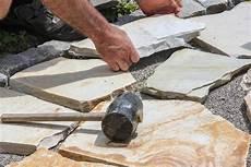 gartenweg anlegen fuer hobbyhandwerker kein schwerer gartenweg anlegen anleitung f 252 r hobbyhandwerker bauen de