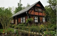 Wie Lege Ich Einen Garten An - landhaus mit garten wie lege ich einen garten an der zu