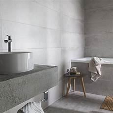carrelage salle de bain clair carrelage sol et mur gris cendr 233 harlem l 30 x l 120 cm