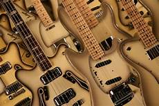 Sell Your Guitar S Vintage Guitars Vintage And