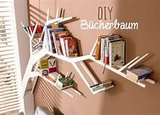 Bücherregal Kinderzimmer Selber Bauen - dieses diy b 252 cherbaum regal ist ein richtiger blickfang