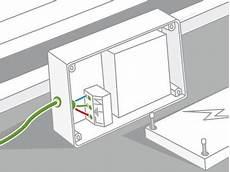 comment installer une baignoire balnéo comment installer une baignoire baln 233 o leroy merlin