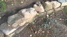feldsteinmauer selber bauen trockenmauer