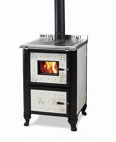 cucina a legna con forno cucina a legna wekos modello 601 con forno rustica