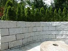 steinmauer garten sichtschutz steinmauer garten mauer steinmauer garten sichtschutz garten und natursteinmauer