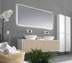 eclairage indirect salle de bain miroir salle de bains lumineux de luxe par les top designers