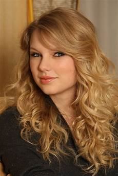 hairstyle photo curly hairstyle