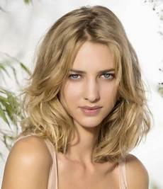 Modern Hairstyles For Hair 2015