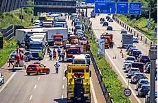 Unfallstatistik 2016 Die Autobahn Baustellen Erh 246 Hen Das