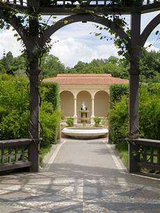 file hamilton gardens italian renaissance garden jpg wikimedia commons