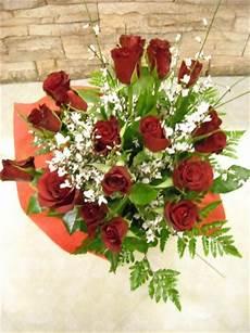 costo mazzo di fiori bouquet di rosse a gambo medio gaeta