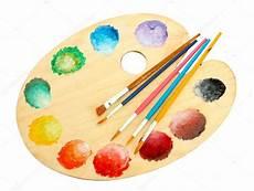 Palette Dart En Bois Avec La Peinture Et Des Pinceaux