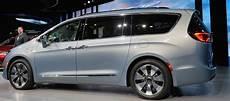 Chrysler Pacifica Hybrid L Hybride Rechargeable Des