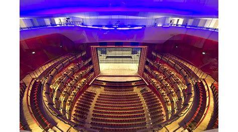 Poltrona Frau Contract Arreda Il Teatro Dell'opera Greca