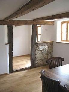 Sanierung Fachwerkhaus Innen - raumteiler aus alten balken wohnidee frische ideen f 252 r
