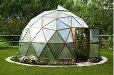 geodätische kuppel gewächshaus eingang au 223 en kuppel haus geod 228 tische kuppel und garten