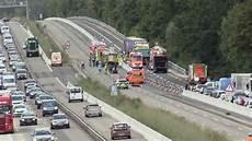Autobahn A3 Unfall Heute - schwerer unfall auf a3 f 252 nf lkw prallen aufeinander