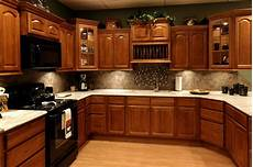 Oak Kitchen Cabinets Paint Ideas by 4 Steps To Choose Kitchen Paint Colors With Oak Cabinets