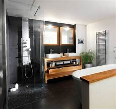 salle de bain noir blanc bois avec les 2017 et salle de
