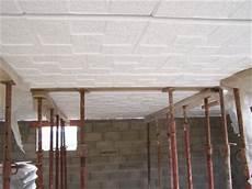 on a d 233 j 224 les dalles polystyr 232 ne au plafond du garage 25