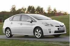 Toyota Prius 1 8 Hsd Executive 5 Door Specs Cars Data