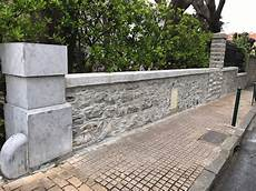 Nettoyage Des Pierres D Un Mur De Cl 244 Ture Detec Bois