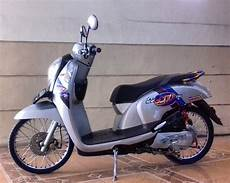 Scoopy 2018 Modif Simple by 65 Foto Modifikasi Scoopy Cutting Stiker Simple Terbaru