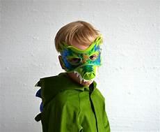 drachen maske filzmaske krokodil dinosaurier