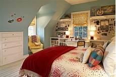 Jugendzimmer Dachschräge Einrichten - 20 komfortable jugendzimmer mit dachschr 228 ge gestalten