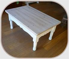 table basse en pin l atelier de mathilde