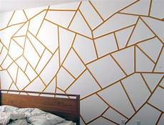 Wand Streichen Muster - diy project geometric painted wall design sponge