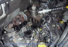 injector removal from renault trafic opel vivaro with 2