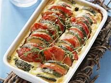 gerichte mit tomaten tomaten zucchini auflauf rezept eat smarter