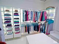 begehbarer kleiderschrank regalsystem ankleidezimmer begehbarer kleiderschrank offener