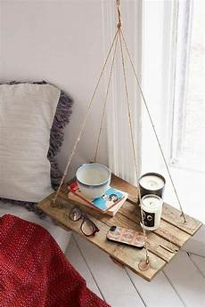 diy ideen nachttisch holz rustikal schlafzimmer