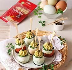 crema con due uova uova sode ripiene con crema alla robiola samurai samurai