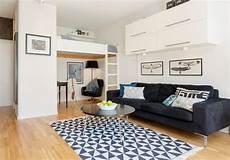 hochbetten für kleine zimmer kleine einzimmerwohnung mit hochbett f 252 r erwachsene