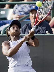beats top seeded stephens to reach volvo car open semis the seattle times