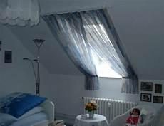 Gardinen Für Schräge Fenster - 1001 ideas for gorgeous attic room curtain ideas