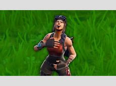 how a renegade raider plays fortnite..   YouTube