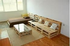 ein palettensofa selberbauen so leicht geht es m 246 bel