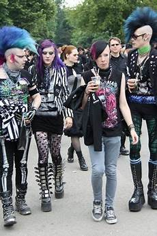 deathrockers at the wgt deathrock in 2019 fashion rock