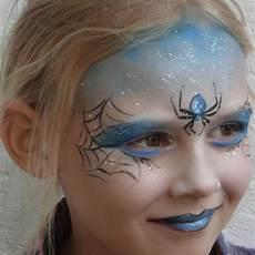 kinder hexe schminken zauberhaftes kinderschminken